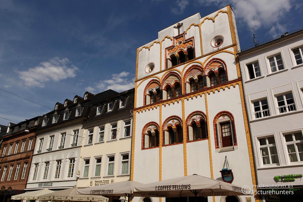 Häuserzeile in der Altstadt von Trier