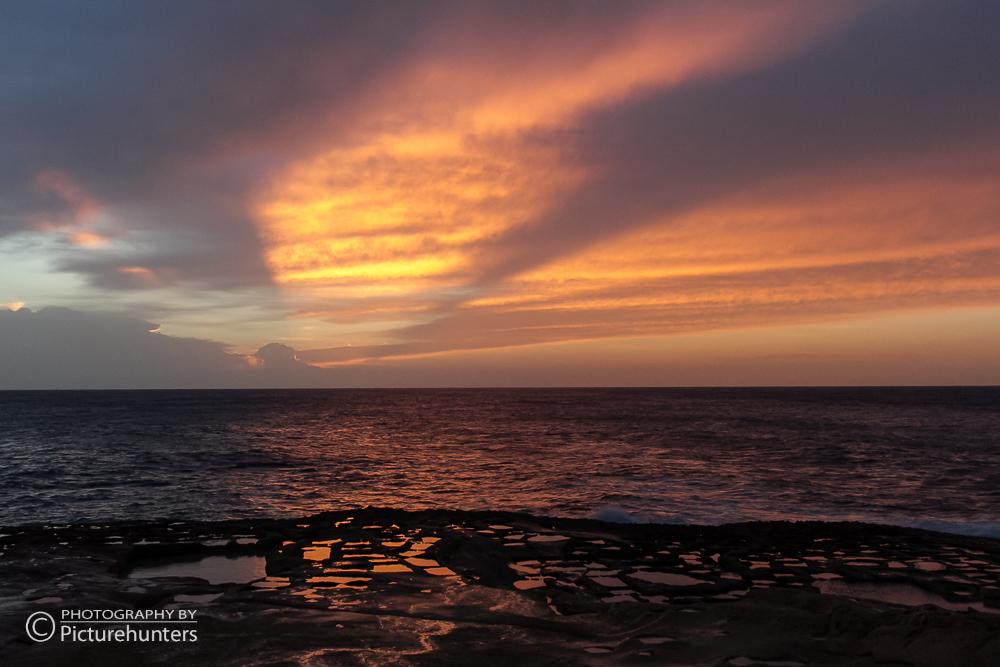 Roter Himmel über der Küste