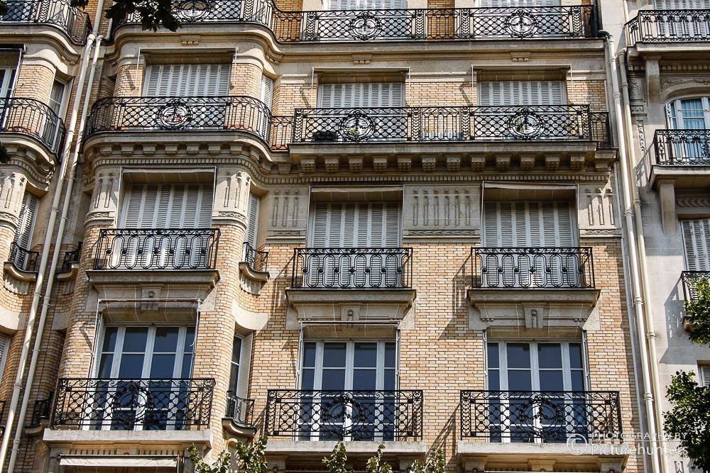 Fensterfront in Paris