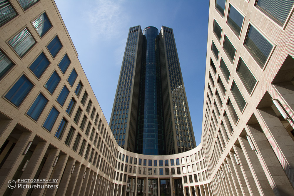Tower und U-Gebäude