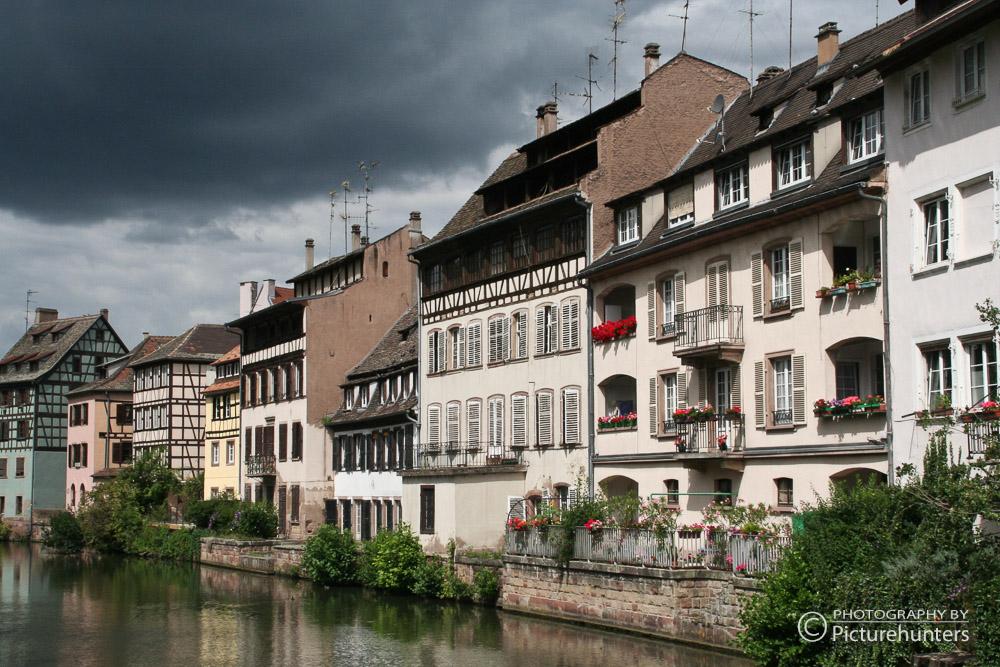 Dunkle Wolken über Strassbourg