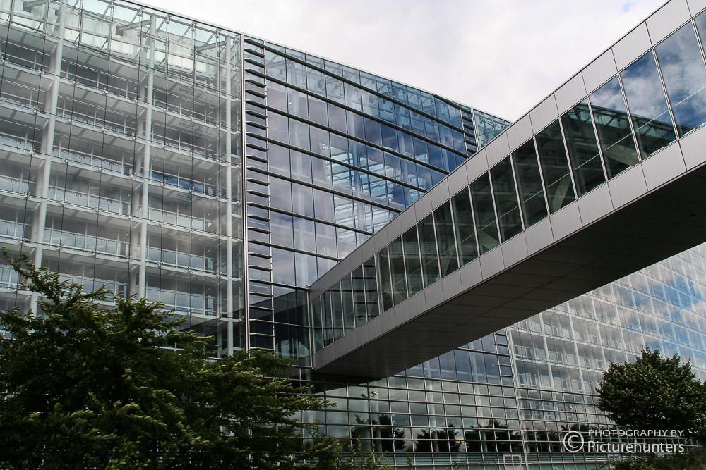 Brücke beim Europäischen Parlament