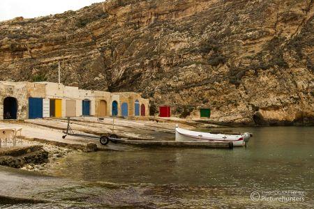 Blick auf einen kleinen Hafen auf Gozo