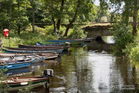 Boote auf einem Flüsschen | Irland