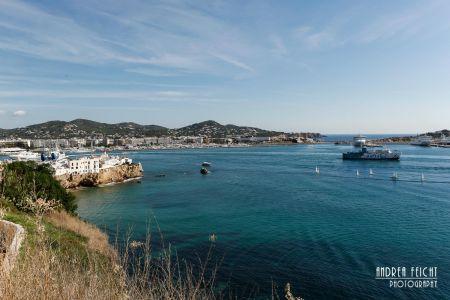 Blick auf den Hafen von Eivisa