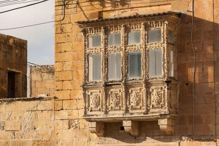 Verzierter Fenstervorbau