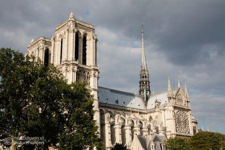 Seitenansicht von Notre Dame