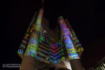 Lichtinstallation am Hypo-Turm | München