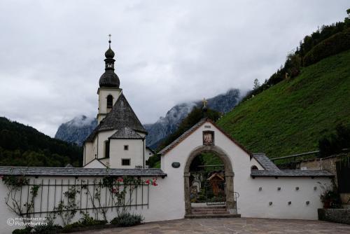 Richtung Kirche