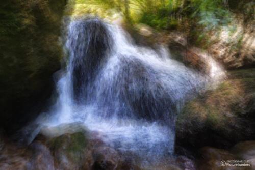 Kunst am Wasserfall