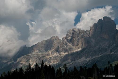 Berge in Wolken